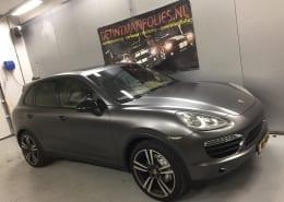 Porsche Cayenne mat grijs 1080-S261 Satin Dark Grey-7